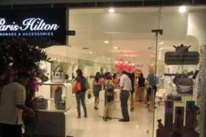 Paris Hilton To Open Boutique In Peru