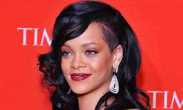 Rihanna Plans To Launch A Men's Cologne