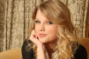 Taylor Swift Caught In Kennedy Feud, Forbidden To Sleep At Kennedy Mansion, Reports Say