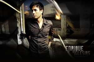 Enrique Iglesias offered 'American Idol' judges spot  1