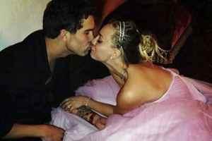 Kaley Cuoco Marries Sweetie Fiancè Ryan Sweeting, on New Year's Eve