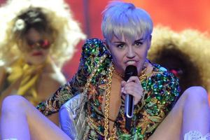 Miley Cyrus Delivers Hateful Rant Towards Liam Hemsworth During Concert