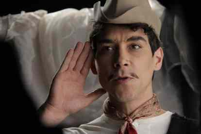 New CANTINFLAS Movie Trailer and Scene Images 4