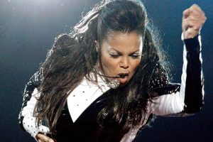 """Janet Jackson's """"Unbreakable"""" Album Earns Her A No. 1 Album For The 7th Time"""