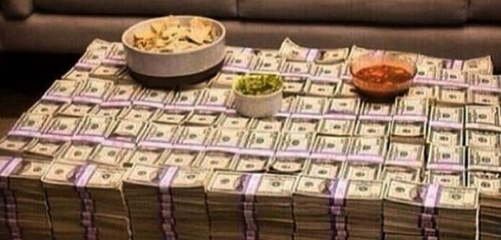 """50 Cent Called To Court After Suspicious Instagram Pics Of Piles Of Cash When The Rapper Is """"Broke"""" 1"""