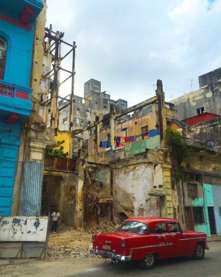 IN HAVANA, AN AVERAGE OF 3.1 BUILDINGS COLLAPSE EVERY DAY - by DIANA BRUK
