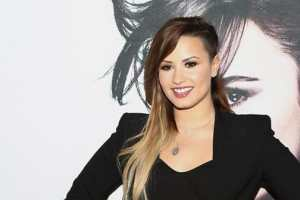 Demi Lovato Drops Twitter And Instagram Accounts; Keeping Her SnapChat Though