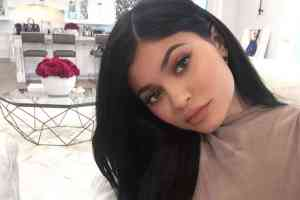 Kylie Jenner - cosmetics
