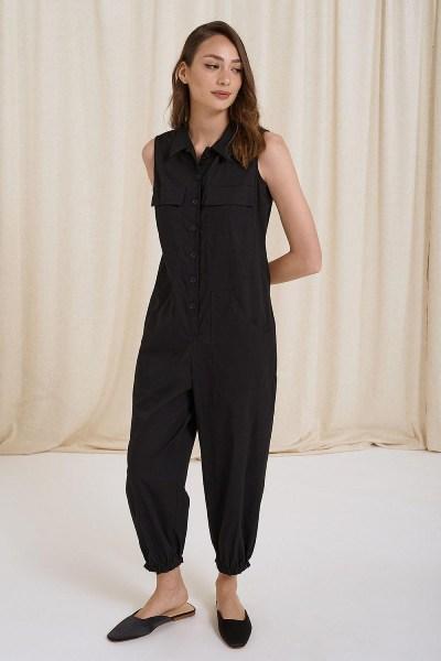 Ολόσωμη φόρμα αμάνικη με τσέπες μαύρο