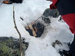 Würstchengaren am Lagerfeuer