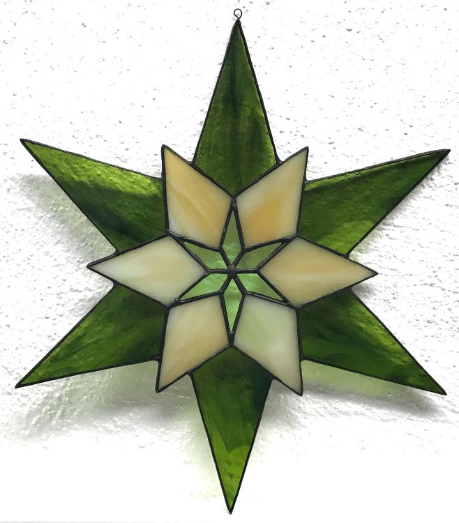 11 - Stern - 6 dunkelgrün, halbtransparent meliert + 6 opak beige-grün meliert + 6 transparent grün