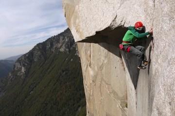 Photo de Jorg Verhoeven sur la mythique voie The Nose, à El Capitan au Yosémite (Etats Unis).