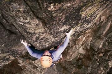 """image, La grimpeuse américaine Molly Mitchell vient de réaliser la première ascension de """"Spoiled Moose"""", une variation de """"The Spoils"""" à Boulder Canyon."""