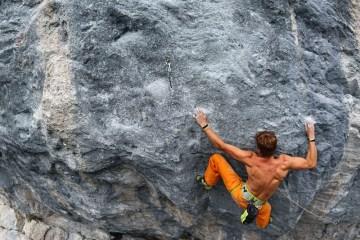 """image, Le grimpeur allemand Pirmin Bertle continue de faire parler de lui en réalisant """"Meiose"""" un 9b à Charmey, en Suisse."""