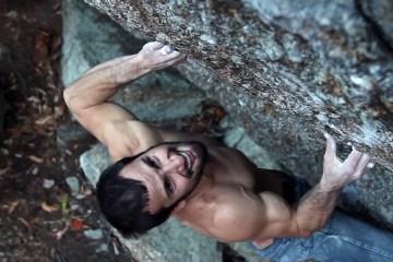 """image, Magnifique vidéo de la première ascension de """"Universal Disembodiment"""", un très beau 8a+ bloc, à Stoddard, New Hampshire."""