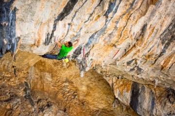 image, Quelques jours après Dani Andrada (voir l'article ici), c'est au tour d'Edu Marin d'enchaîner Chilam Balam, la mythique voie du site d'escalade de Villanueva del Rosario, Espagne.