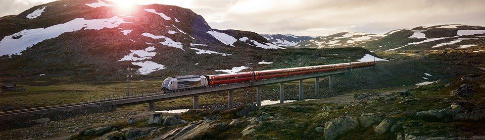 Vlak společnosti NSB mezi Oslem a Bergenem. Foto. NSB