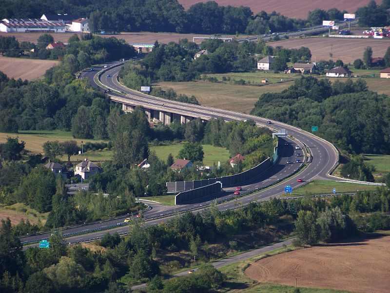 Dálnice D10 u Březiny. Foto: Wikipedia Commons