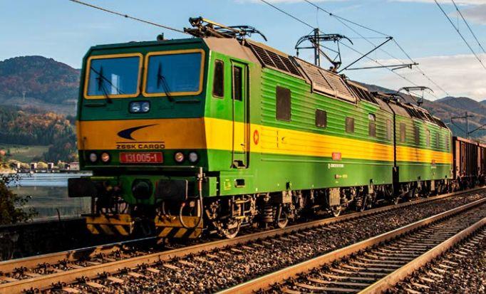 Proslulé dvojičky řady 131 ve flotile ZSSK Cargo mají v průměru 36 let a potřebám firmy už nestačí. Autor: ZSSK Cargo