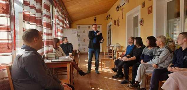Заступник адміністратора Патріаршої курії відвідав реабілітаціюсімей АТО