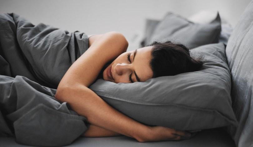 Spavanje na bokovima