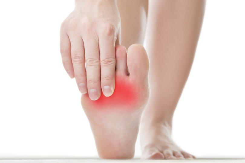 Kada stopala bole
