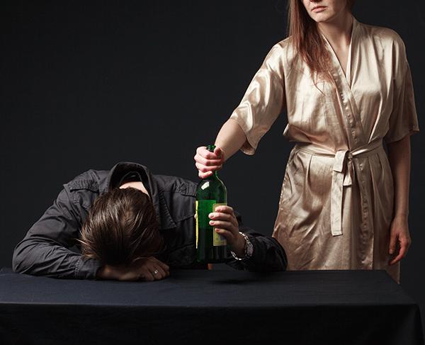 зависим от алкохола