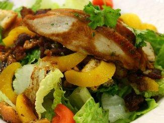 пилешка салата за зодия Стрелец