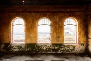 Tsarska gara_Kazichene_Windows