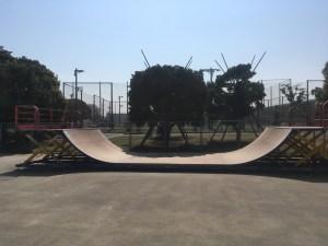 舞浜スケートパークに以前からあるミニランプ
