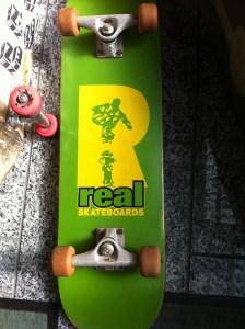REALスケートボード