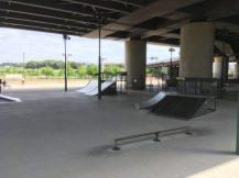 新横浜スケートパーク レール、バンクなど