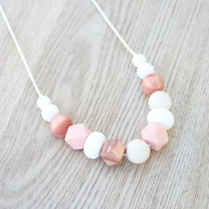 cassie silicone necklace Silicone Necklaces Silicone necklaces are the perfect accessorywhen it comes to wearing jewellery as a parent, stylish, simple and above all safe