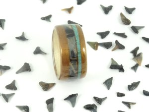 Koa wood ring with shark tooth inlay-001