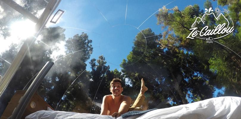 Dormir dans sa bulle sous un grand ciel bleu aux Makes, Réunion