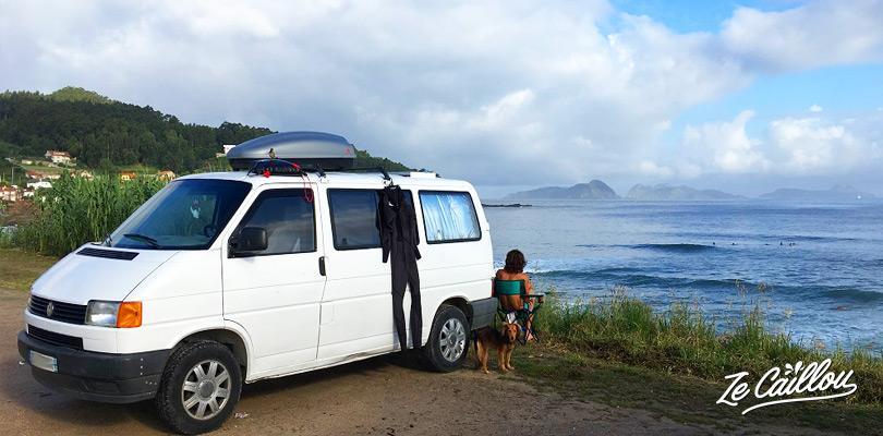 Spot de surf de la playa de Patos proche de Vigo en Galice dans le nord de l'espagne