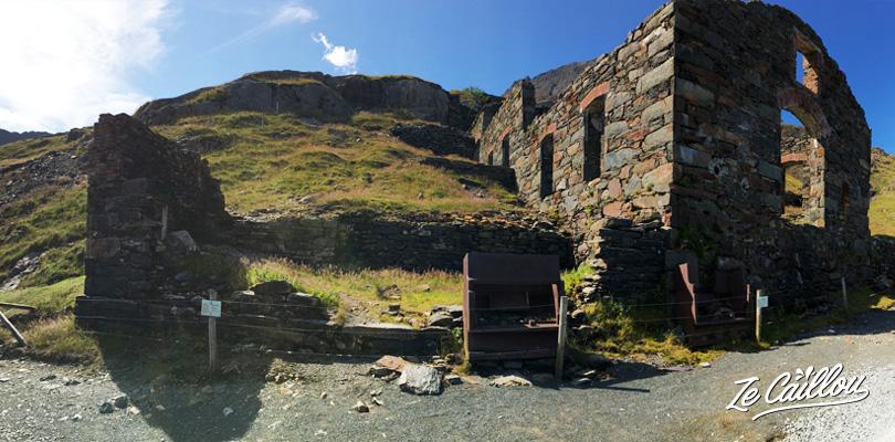 Ancienne usine d'ardoises sur le sentier Miners Track au mont snowdon