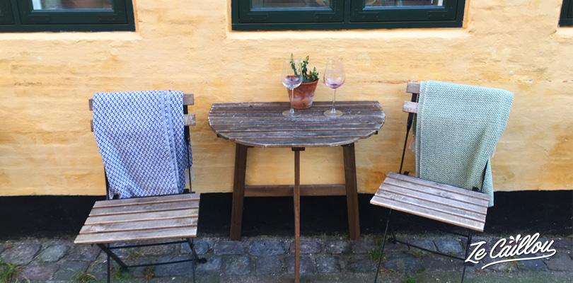 Petits bars de quartier dans Copenhague au Danemark ou les plaids sont de rigueur.