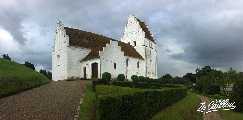 Visiter l'église de Elmelunde sur l'île de Mon au Danemark