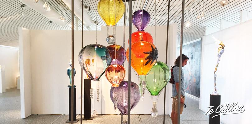 Visiter la galerie de la fabrique de verre Kosta en Suède.
