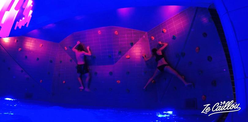 Amusez-vous au parc aquatique de Vasteras, le Kokpunkten ActionBad.