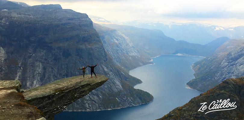 Superbe vue depuis la langue de Troll de la rando du Trolltunga en Norvège