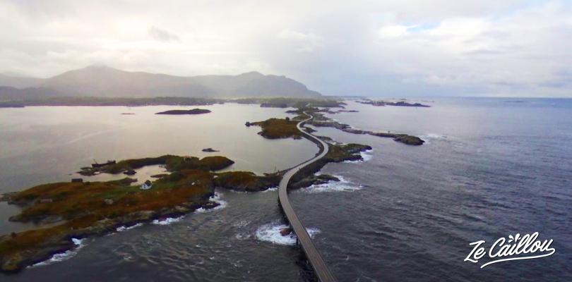 Rouler sur la majestueuse route Atlantique et ses îles en Norvège