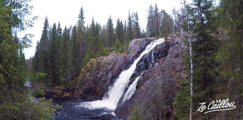 La cascade Hepokongas proche de Puolanka est la plus haute de Finlande