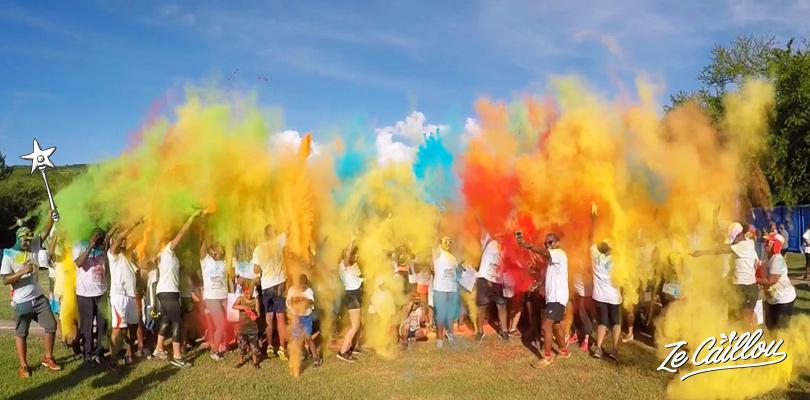 Le final coloré de la course colorée Seigneurie Colors à l'île de la Réunion.