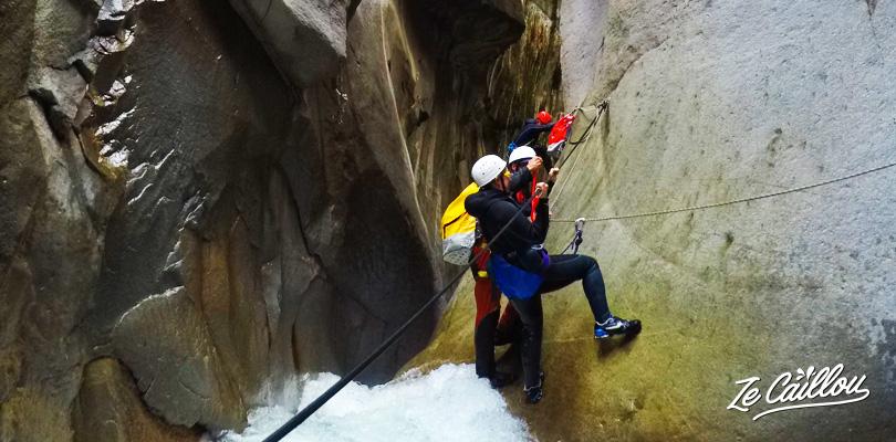 Super canyoning de Trou Blanc à Salazie avec Adrenal'île.