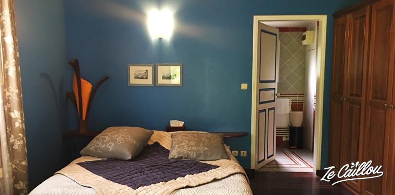 La chambre de notre bungalow juste au dessus d'Hellbourg à Salazie.