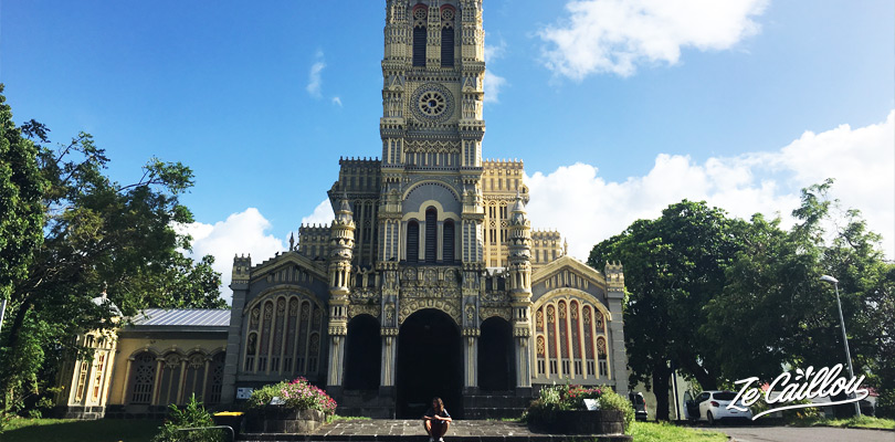 Discover the beautiful Sainte-Anne church, scenery of a Truffaut movie in Reunion Island.