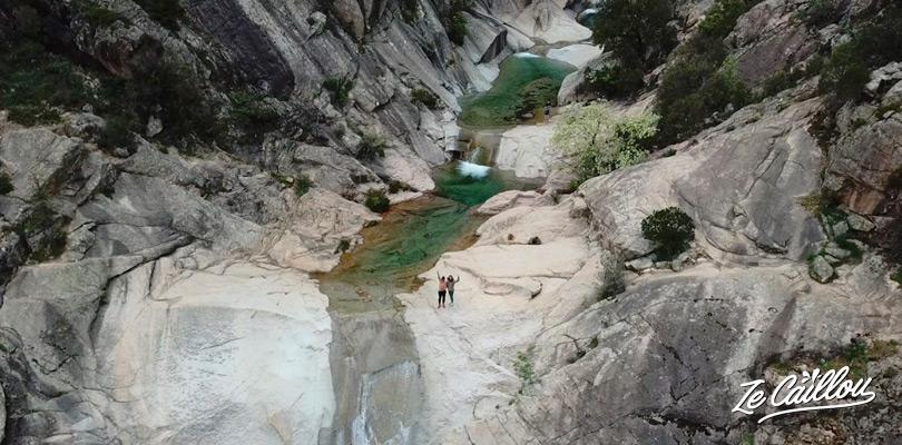 Les merveilleuses cascades de Purcaraccia non loin du col de Bavella en Corse.