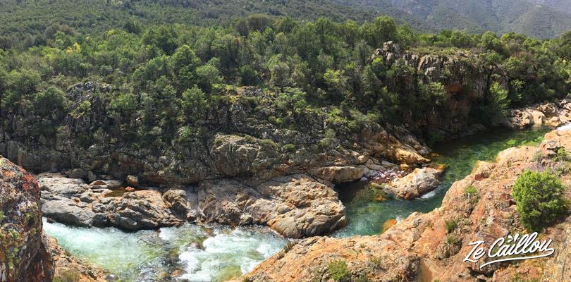 L'eau de la rivière du Fango en Corse est l'une des plus propre du monde.
